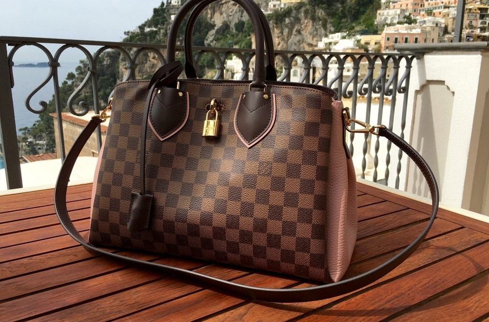 cf95a2243b Why Are Louis Vuitton Handbags So Popular? - SecondsBoutique